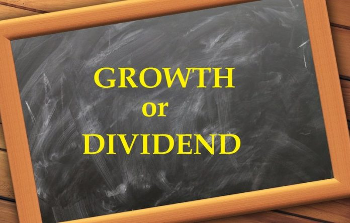 Growth vs Dividend MF